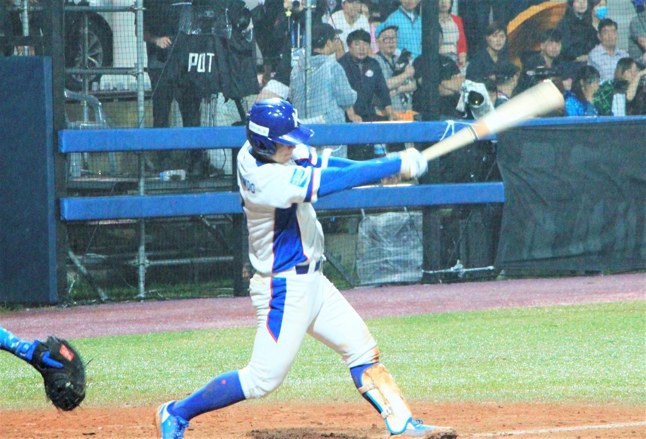 U-18 야구 월드컵에서 활약했던 강현우 선수의 모습.