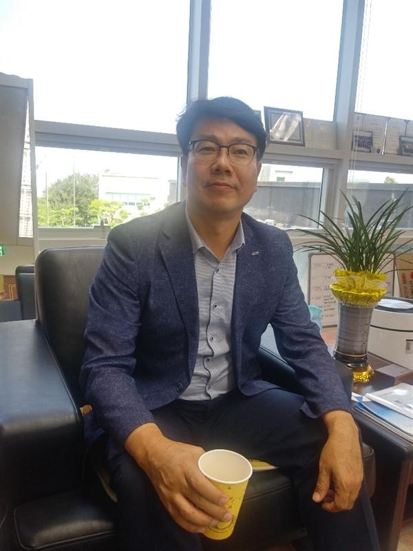 """김영환 본부장은 """"에너지전환의 핵심은 신재생에너지가 주""""라며 """"석탄과 원전는 이제 사라질 것""""이라고 강조했다."""