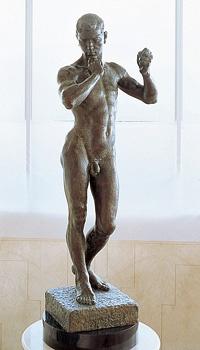 리츠메이칸 대학에 전시된 '와다쓰미' 동상(리츠메이칸대 홈페이지)