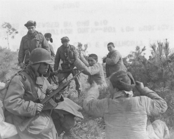 안양, 유엔군에게 사로잡힌 중국군 포로들(1951. 2. 5.).