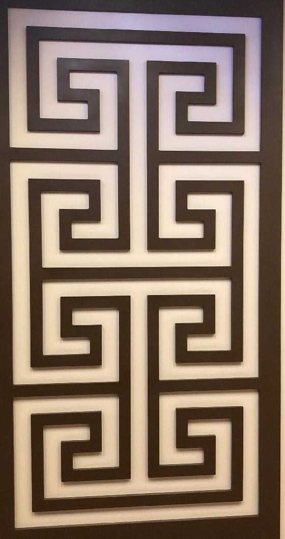 아르한베(aluqanke) 무늬입니다. 칭기스칸 국제공항에서 처음 만난 무늬입니다. 몽골사람들은 이어진 무늬라고도 하며 즐겨서 사용 합니다. 공항에 도착하는 모든 사람들의 영원함과 강인함을 바라는 마음에서 그려놓은 듯합니다.