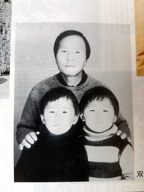 기무라씨와 쌍둥이 아들 모습. 기무라씨는 서정우씨의 큰아들(오른쪽)마쓰무라 아사오씨와 함께 서정우씨의 고향인 의령을 방문해 성묘할 예정이다.