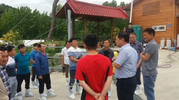 당진TMR연구회원들이 지난달 대전광역시에 위치한 백석환 씨의 석청농장으로 선견지 견학을 다녀왔다.