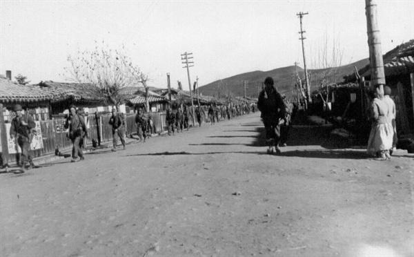 북한 평산에 진격하는 유엔군(1950. 11. 1.).