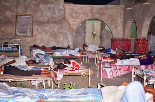 와디할파 천장 없는 숙소에서 하룻밤을 묵었다.