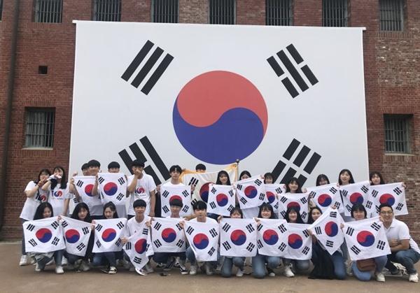 송악고등학교 학생들이 3.1운동 및 임시정부수립 100주년을 기념해 프로젝트를 진행했다.