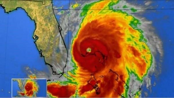 허리케인이 미국 플로리다 반도를 향하는 영상. 태풍이나 허리케인의 강도는 바람의 세기를 가늠하는 척도이기도 하다.