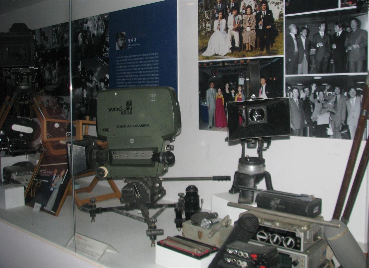 남양주종합촬영소 안명예의전당에 전시돼 있는 옛 영화촬영장비
