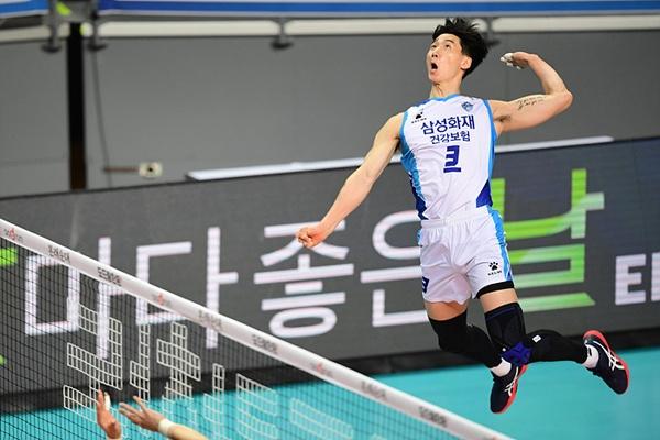 한국 나이로 35세가 된 박철우는 지난 시즌 토종 선수 중 2번째로 많은 득점을 올렸다.