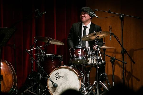 김정훈씨는 국내에서 드럼을 전공하고 네덜란드에서 4년 공부한 실력파 드럼연주자다.