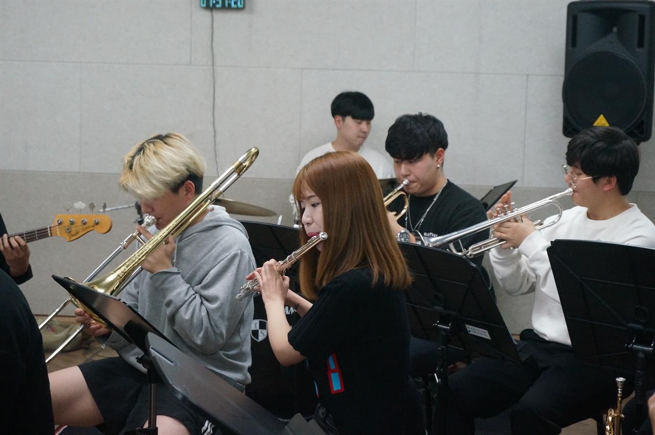 성숙한 역량을 선보인 '서울청소년빅밴드'