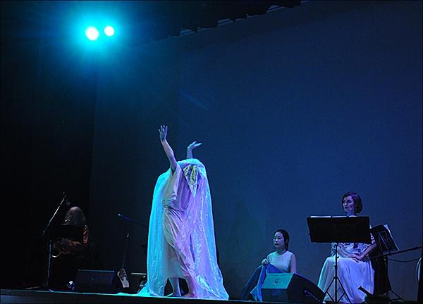 산쇼다유 3 유라시안 오페라 산쇼다유 공연 장면 3