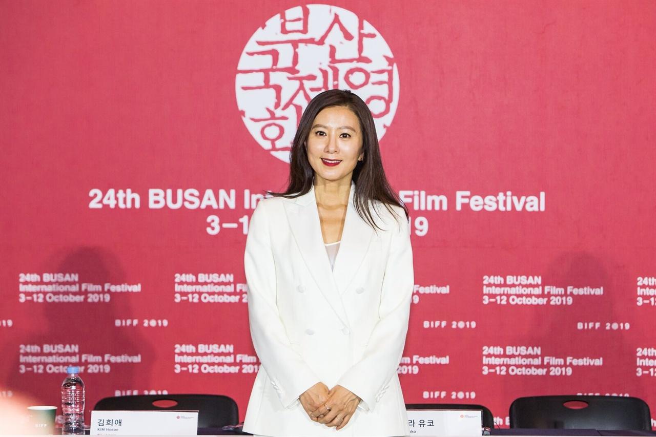 <윤희에게> 주연 김희애 배우