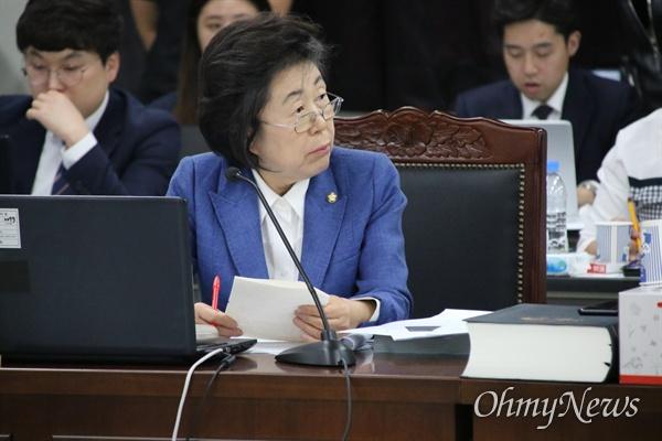 11일 오후 대구고검에서 열린 국회 법제사법위원회 국정감사에서 이은재 자유한국당 의원이 발언을 하고 있다.