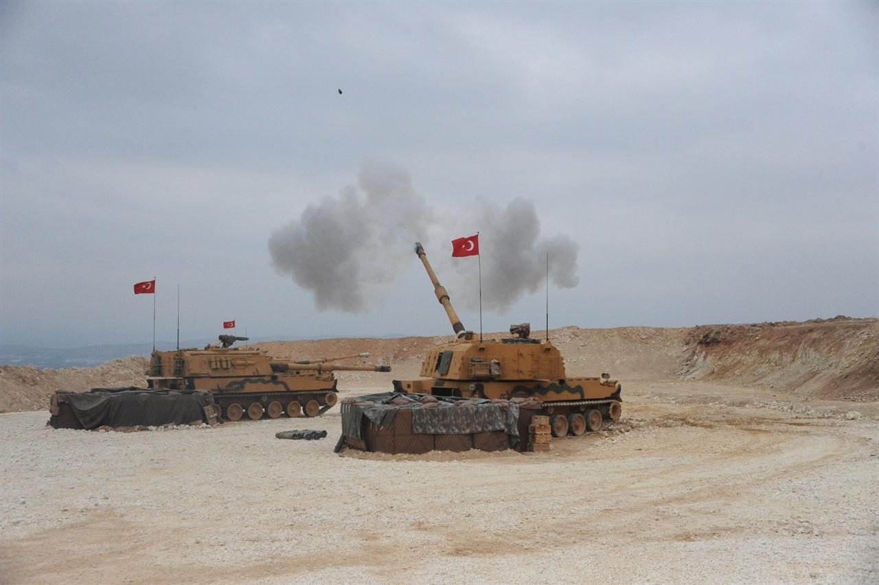터키의 '평화의 샘' 군사작전에 동원된 T-155 전차. 한국의 K9 자주포 기술이 수출되어 만들어졌다.