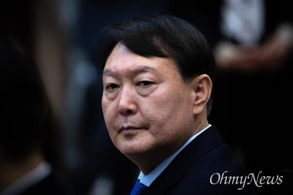 윤석열 검찰총장이 17일 오전 서울 서초구 대검찰청에서 열린 법사위 국정감사에 참석하고 있다.
