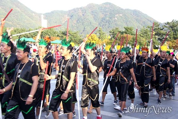 10월 27일 창원 용지문화공원에서 열린 '맘프 다문화퍼레이드'. 방글라데시.