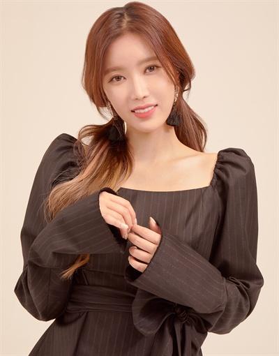 배우 임수향 <우아한 가> 종영 라운드 인터뷰 프로필 사진