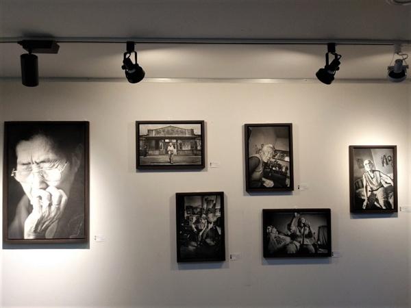 위안부 피해 여성들의 사진들 아시아 각지의 위안부 피해 여성들의 사진이 걸려있다.