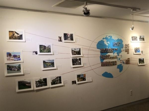 아시아 각지에서 촬영했던 위안부 피해 여성들 아시아 각지의 위안소 사진과 각 지역의 위안부 피해 여성들의 사진이 걸려있다.