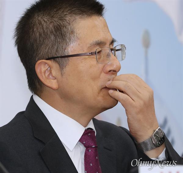 자유한국당 황교안 대표가 7일 오전 국회에서 최고위원회의를 주재하고 있다.