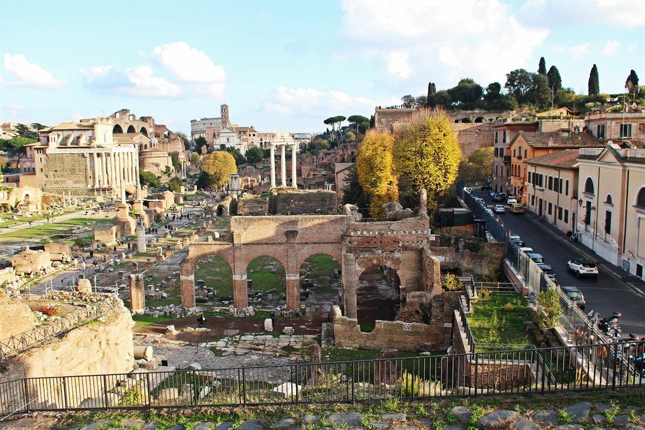고대 로마의 생활 중심지 포로  로마노 모습