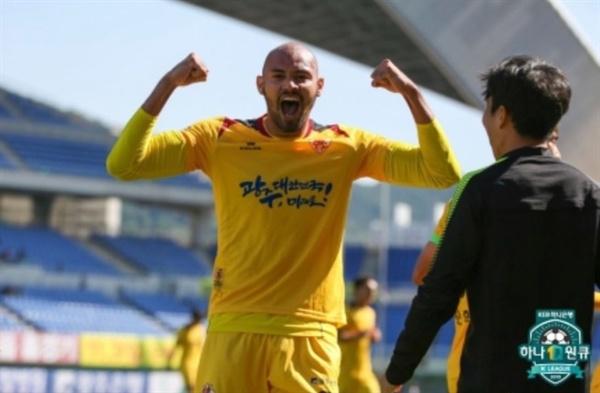 19골로 득점 선두를 달리고 있는 광주 펠리페