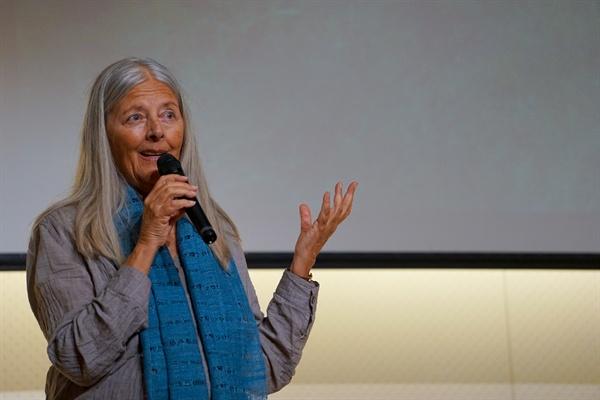 세계적인 환경운동가로 책 '오래된 미래'의 저자인 헬러나 노르베리 호지 로컬퓨처스 대표