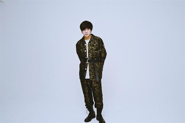 YB가 새 정규앨범을 발매했다.