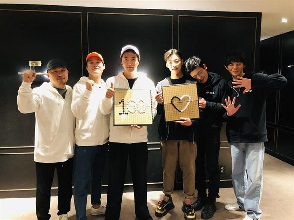 <신의 한 수: 귀수편>배우들의 100만 돌파 감사 인증샷