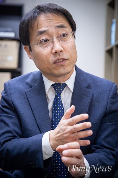 2017~2018년 대검찰청 검찰개혁위원회 위원 김한규 변호사