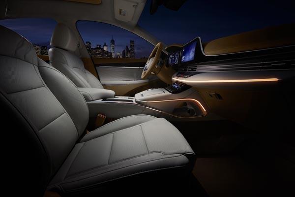 현대자동차 '더 뉴 그랜저'의 내부.