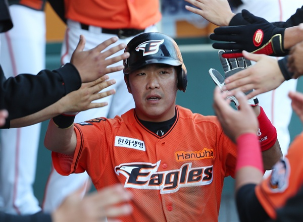 야구 국가대표 출신 내야수 정근우가 지난 20일 열린 2차 드래프트에서 LG 트윈스에 지명됐다.