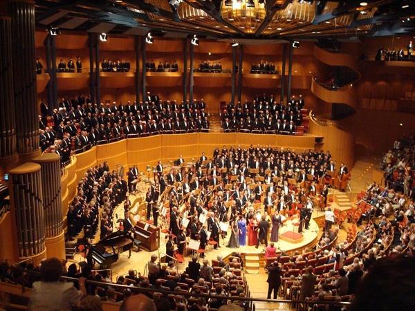 유럽의 한 교향악단 공연 모습.