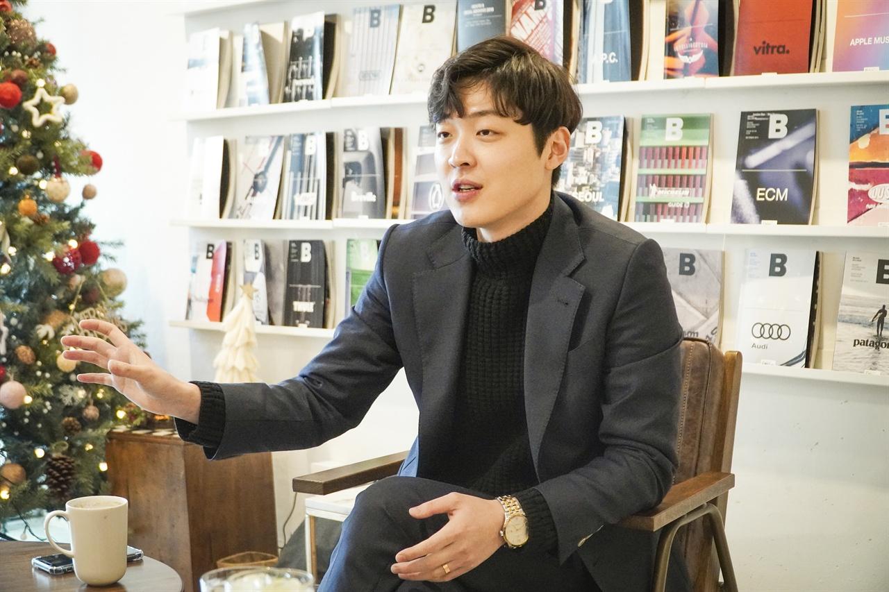 김유현 강사는 모르는 단어는 없는데 해석이 안 되는 현상을 두고 '단어의 여러 가지 뜻을 다 따로따로 알아야 되는데 한 가지 뜻만 대입하기 때문'이라고 설명했다.