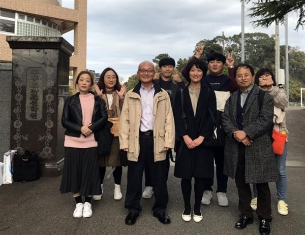 대전지역에서 통일운동을 벌이고 있는 대전청년회 회원 6명이  후쿠오카 조선학교와 자매결연을 위해 지난 달 27일 후쿠오카조선학교로 달려갔다.