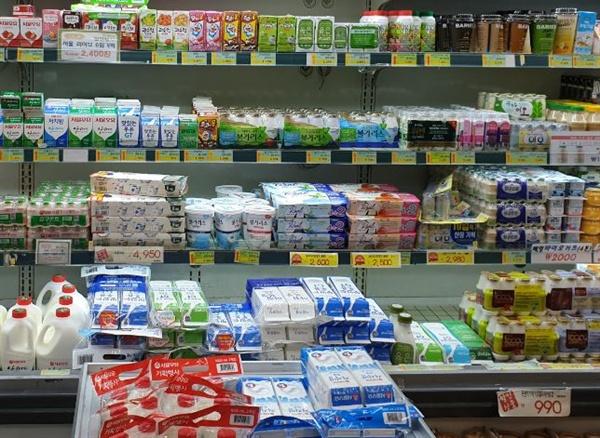 여전히 우리는 지구온난화와 관계없이 소비를 이어가고 있다.