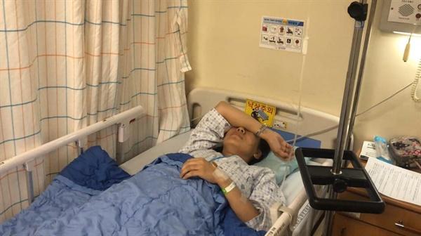 폭행을 당한 허경주 스텔라데이지호 가족대책위 공동대표 모습
