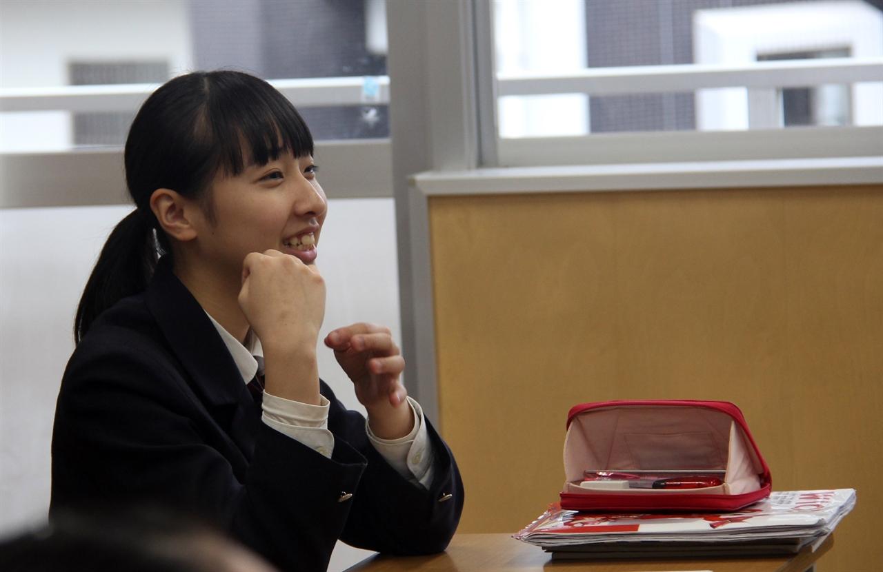 학생들은 교사의 질문에 답이 틀려도 끊임없이 자신의 의견을 말하기를 주저하지 않았다.