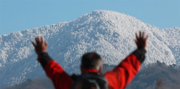 12월 5일 눈 내린 지리산 천왕봉.