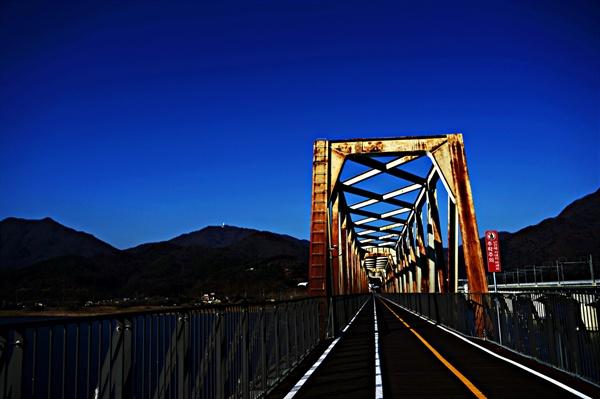 운길산역에서 양수역으로 가는 철교.