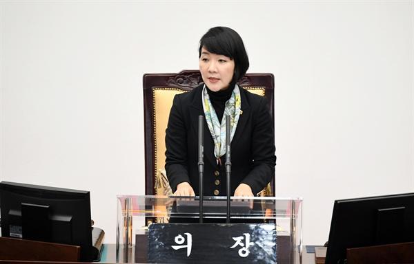 김지수 경남도의회 의장.
