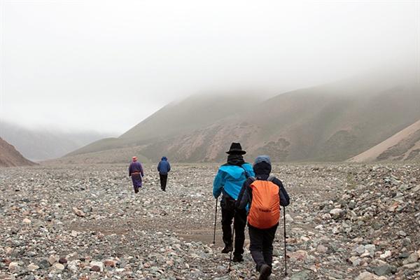 빙하를 볼 수 있으리라는 기대감으로 수타이산을 향해 출발했지만 눈보라와 안개에 휩싸여 애를 먹었다. 인간의 욕망이 화를 부를 수도 있다는 걸 실감했다.
