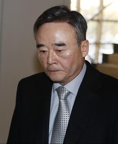 2017년 3월 남대서양에서 침몰한 스텔라데이지호 선사인 폴라리스쉬핑 김완중 회장이 24일 부산지법에 영장실질심사를 받으러 출두하고 있다. 2019.1.24