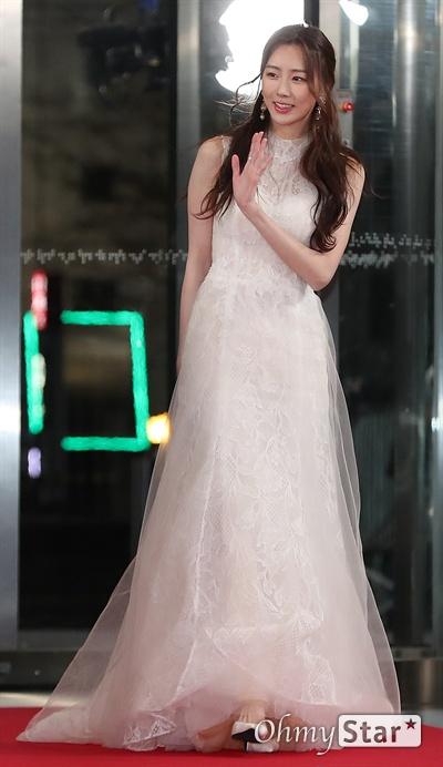 'SBS 연기대상' 수빈, 이제 연기자! 31일 오후 서울 상암동 SBS프리즘타워에서 열린 <2019 SBS 연기대상>에서 배우 수빈이 포토타임을 갖고 있다.