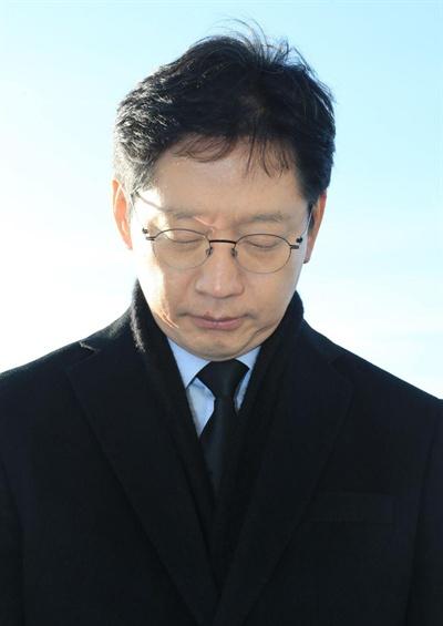 김경수 경남지사는 1일 국립3.15민주묘지를 참배했다.