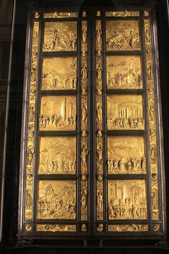 천국의 문 진품   두오모 오페라 박물관에 소장되어 있다.