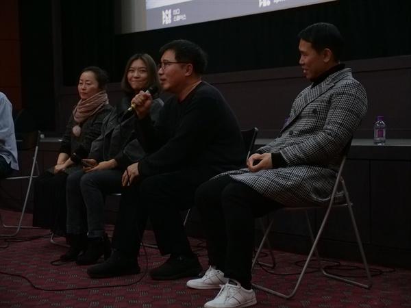 지난 24일 서울 인디스페이스에서 열린 영화 <바람의 언덕> 상영회