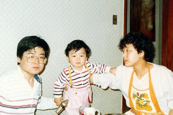 1980년 대 보안사 근무 당시 김병진씨 가족