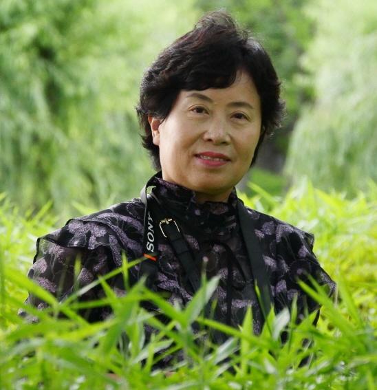 당선자 박주영1961년 경북 경주 출생. 1996년 제3회 삶의향기 동서문학상 시 부문 입상 외.